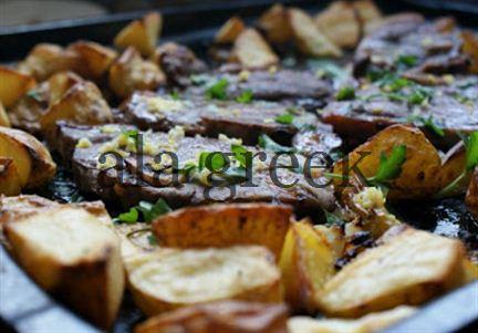 Griechische Lamm mit Kartoffeln und Oliven